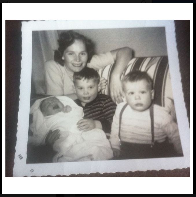 1961 - Mom, Joe, Michael, David